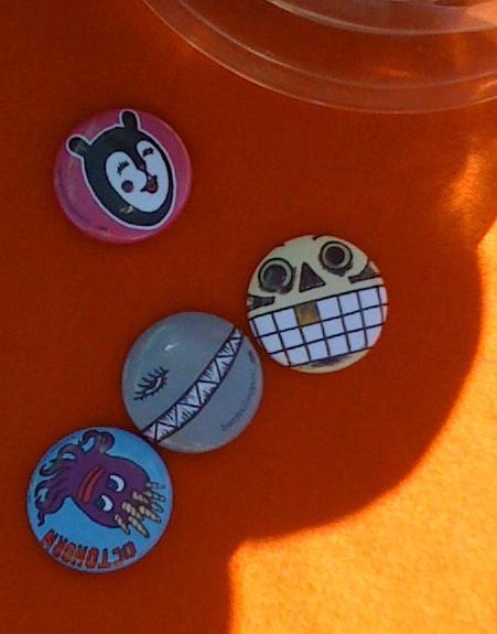 hissyfits-roy-buttons