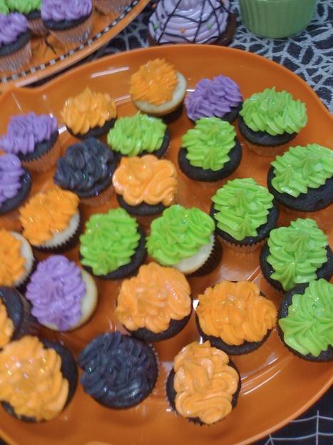 hissyfits-sparkly-cupcakes